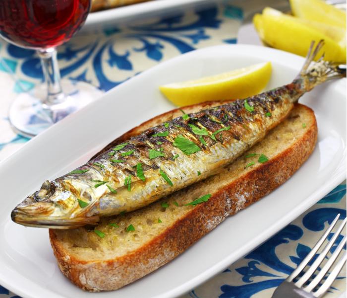 sardinhas assadas com pimentos